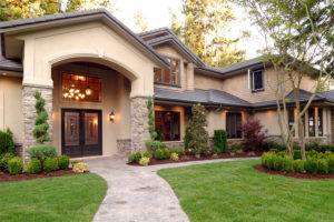 Home-Insurance-Family-Home-with-Inviting-Front-Walk